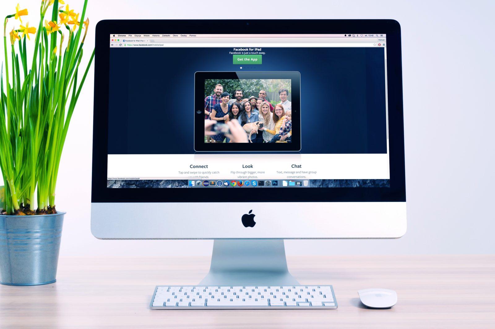 Un mac avec un site internet d'ouvert